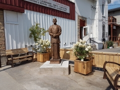 New on the Street: Sri Chinmoy Statue